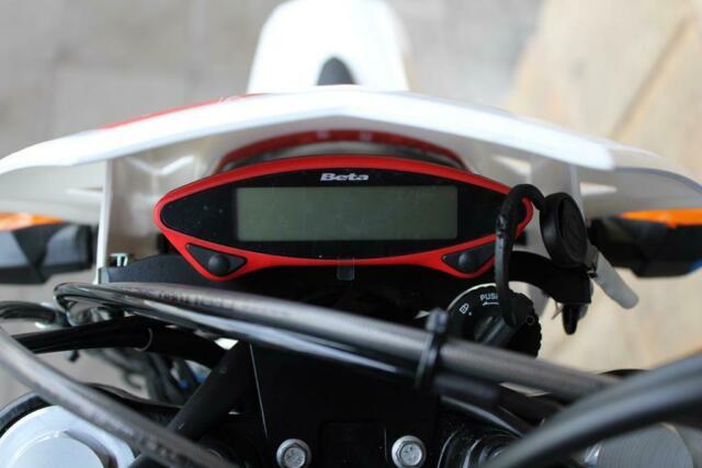 Detailfoto 11 - RR 4T 125 LC MOTARD - Finanz. ab 2,9%